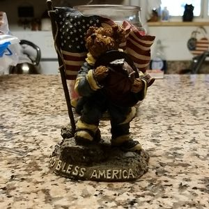 911 Boyd's commemorative bear. New without box